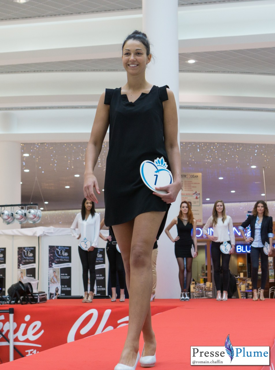 Lina DALATI s'entraîne sur le podium