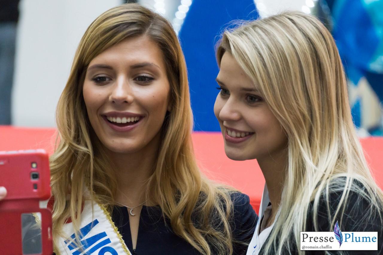 Selfie d'un admirateur de Camille CERF, Miss FRANCE 2015 et Angélina LAURENT, Miss Pays de Loire 2015.
